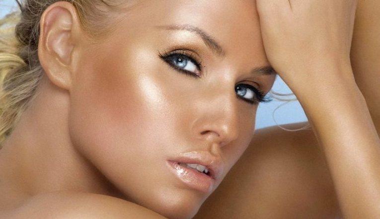 Хайлайтер: что это за супер средство и как его применять поэтапно в макияже?