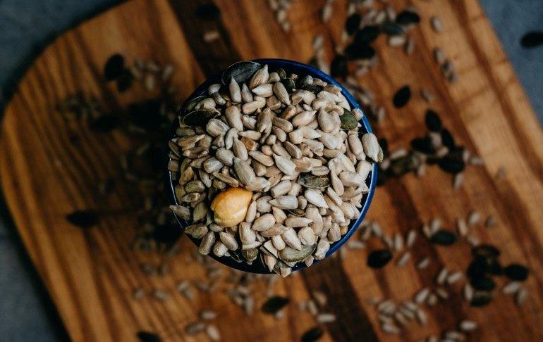 Чем полезны и вредны семена подсолнуха для здоровья - какая норма употребления в день