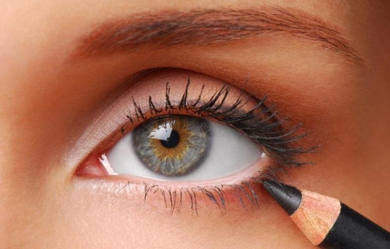Как правильно и красиво накрасить глаза карандашом - рекомендации поэтапно