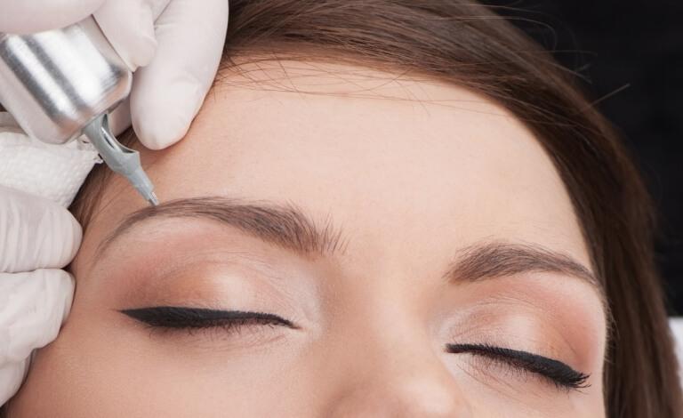Как ухаживать за корочками после перманентного макияжа бровей и чего нельзя делать