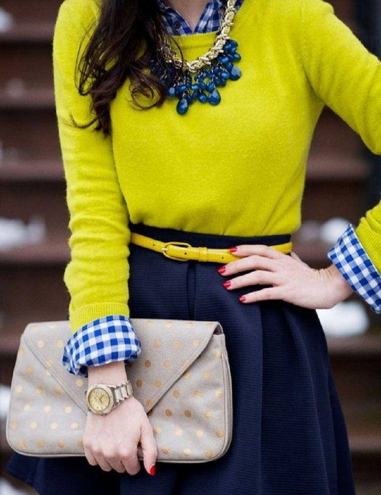 С чем сочетается желтый цвет в женской одежде - фото самых модных образов