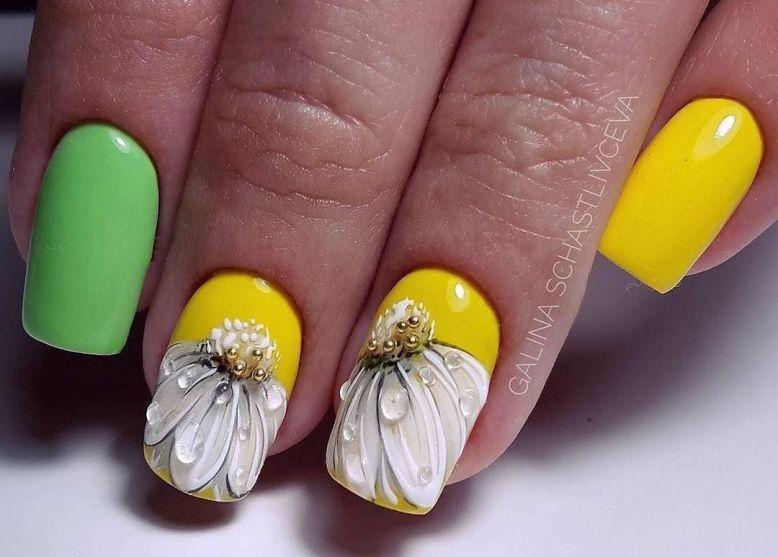 Фото новинки яркого и красивого дизайна ногтей