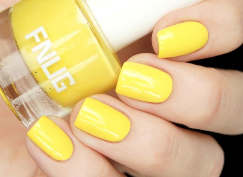 Модный желтый маникюр - фото различных оттенков и дизайнов