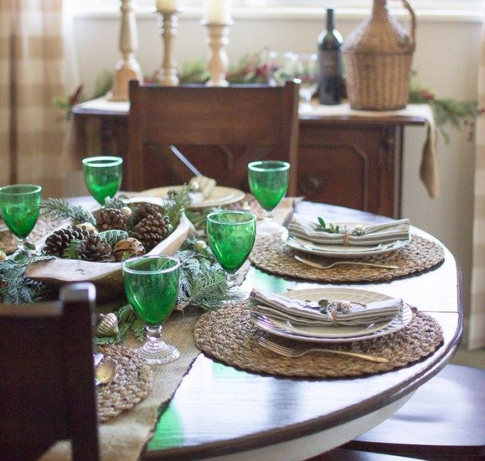 Красивая новогодняя сервировка стола 2021 - фото и видео оригинального оформления