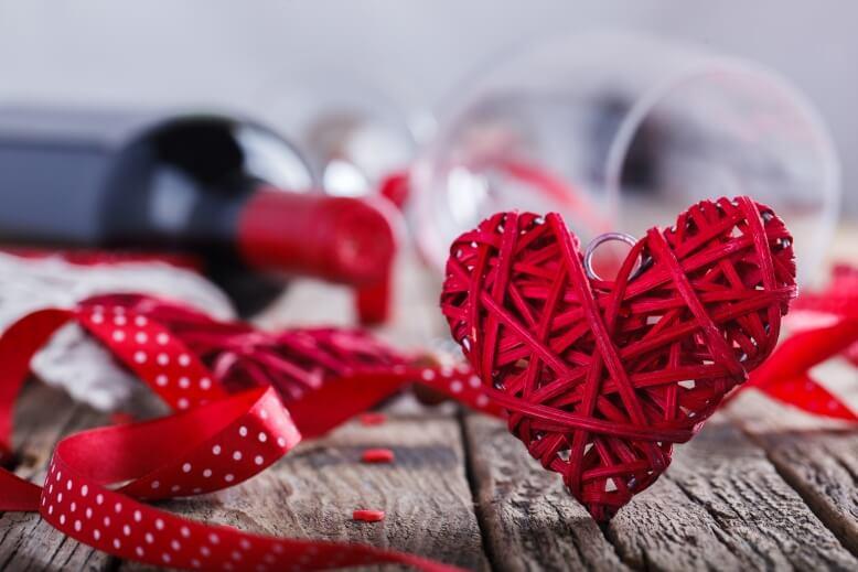 Романтический маникюр на день влюбленных - идеи красивых дизайнов