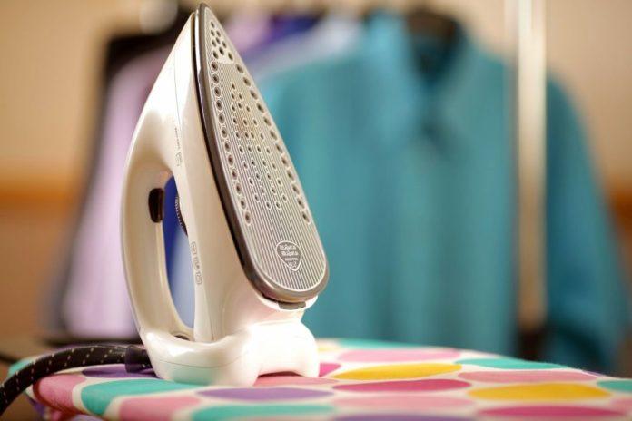 Как можно почистить утюг в домашних условиях от нагара
