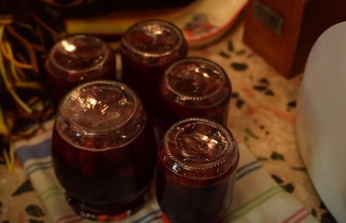 Варенье из клубники на зиму с целыми ягодами: самые вкусные рецепты