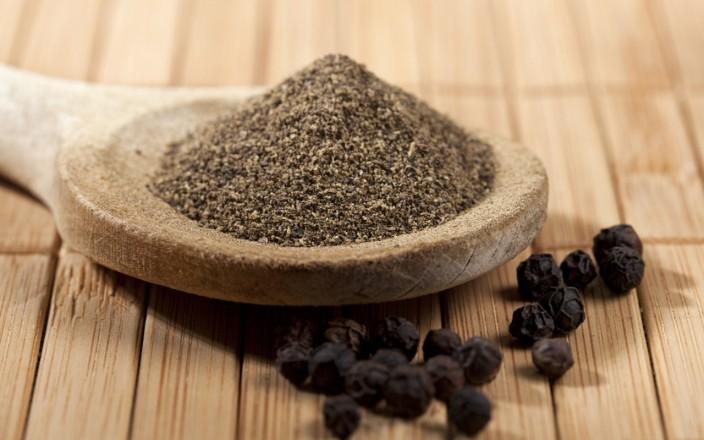 Польза и вред черного перца для здоровья и организма человека