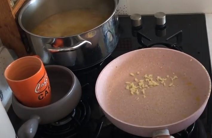 Как приготовить грибной суп - 6 пошаговых рецептов