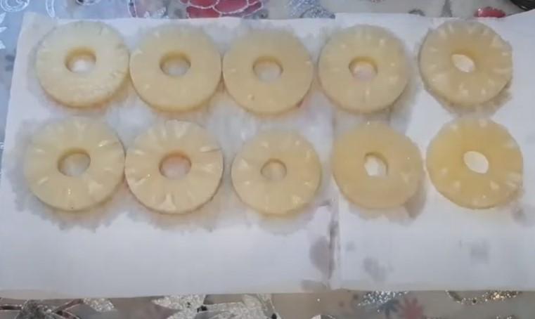 Закуски с консервированным ананасом на праздничный стол
