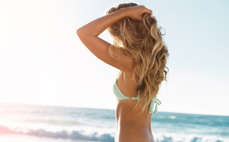 Уход за волосами на море: как правильно ухаживать летом на отдыхе