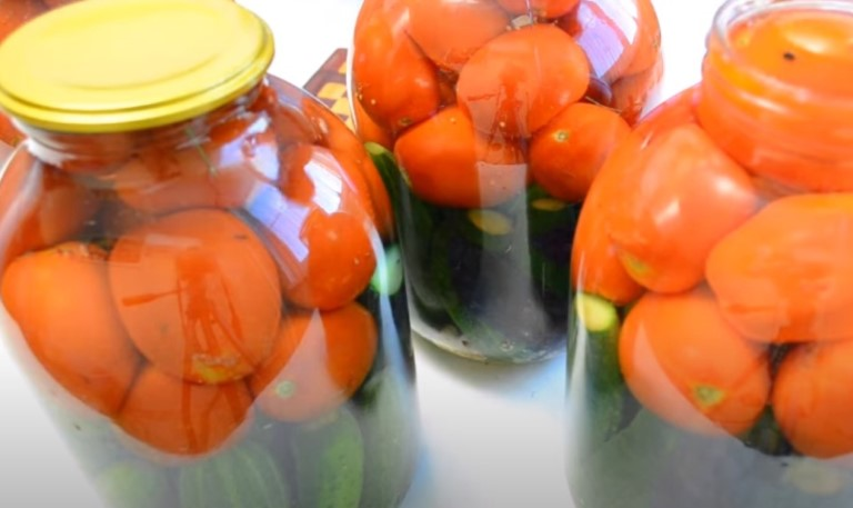 Ассорти из огурцов и помидоров на зиму - самые вкусные рецепты