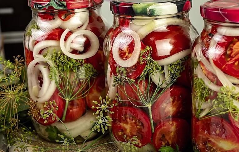 Помидоры на зиму с чесноком - 6 самых вкусных рецептов