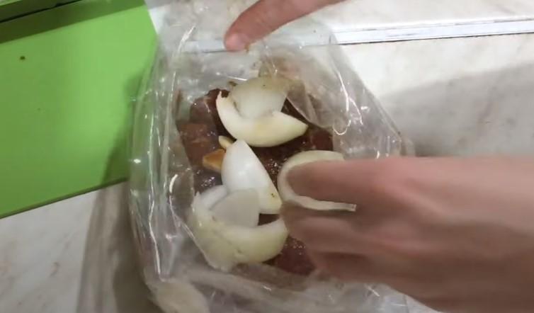 Свиная шея в духовке: как приготовить сочной и вкусной?