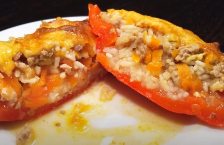 Фаршированные перцы с фаршем и рисом: 6 самых вкусных рецептов