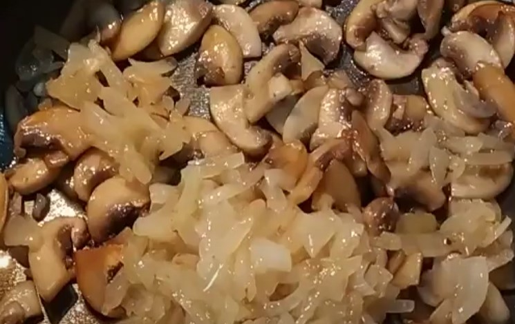 Салат с грецкими орехами - простые и вкусные рецепты